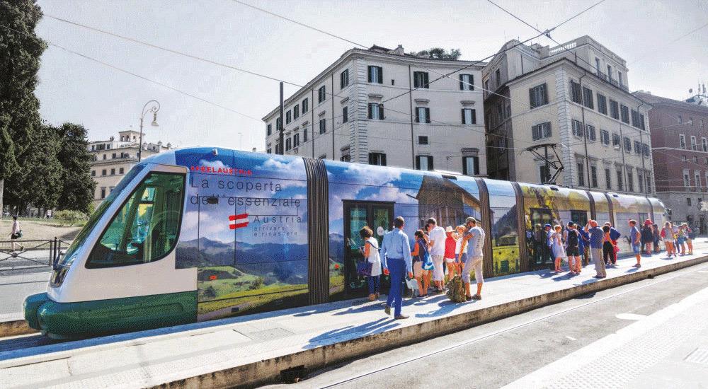 austria-turismo-bosco-culturale-advertising-tram